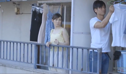 Chồng đi làm Vợ cùng sướng với anh hàng xóm