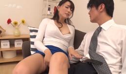 Cô vợ dâm và những vị khách may mắn