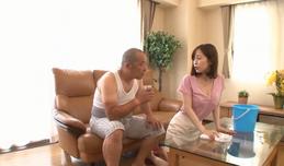 Bố chồng đột quỵ khi mây mưa quá sức với con dâu